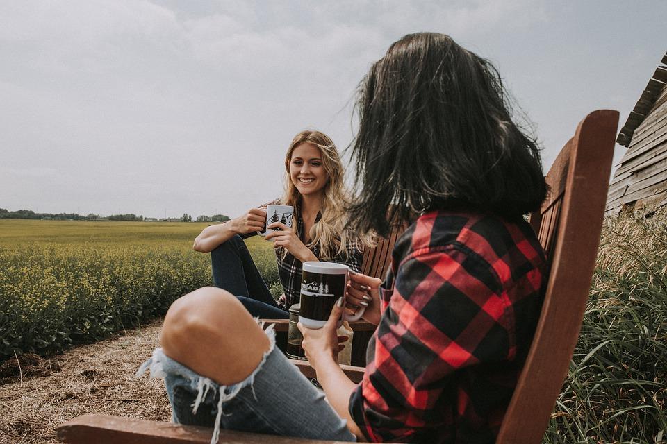 barátok, kávé, szabadság